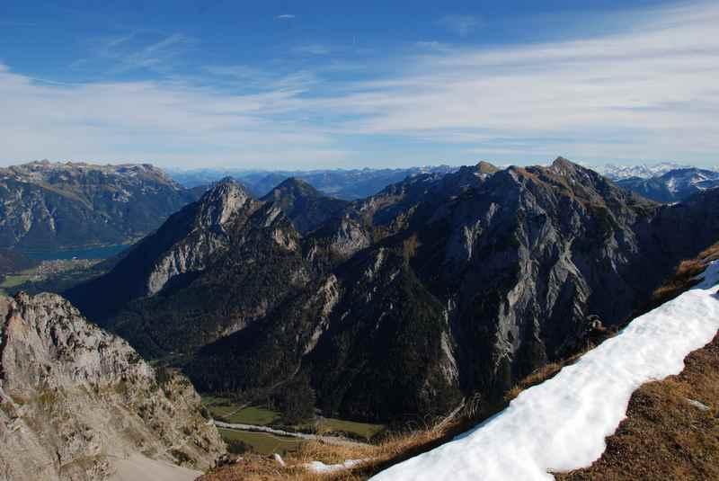 Der Blick in Richtung Achensee bei der Karwendel Bergwanderung