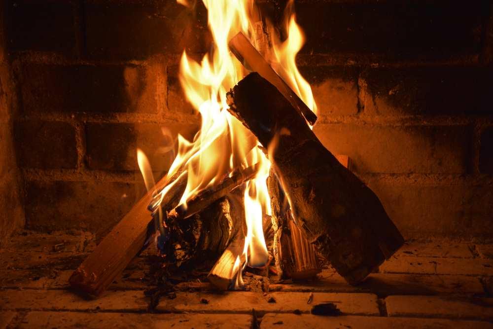 Toll die Ferienwohnung am Achensee mit offenem Feuer: Nach ein paar Minuten brennt es schön