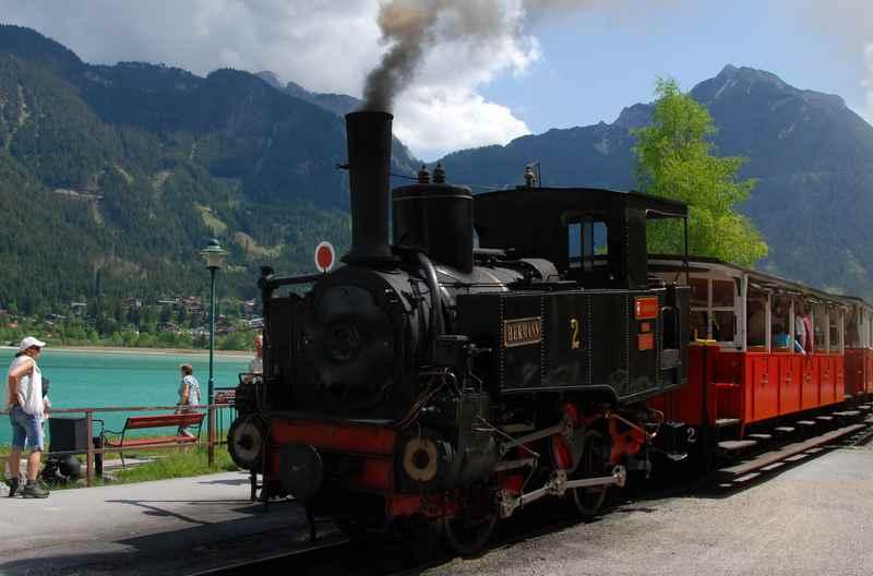 Die Achenseebahn zählt zu den meistbesuchten Tirol Sehenswürdigkeiten