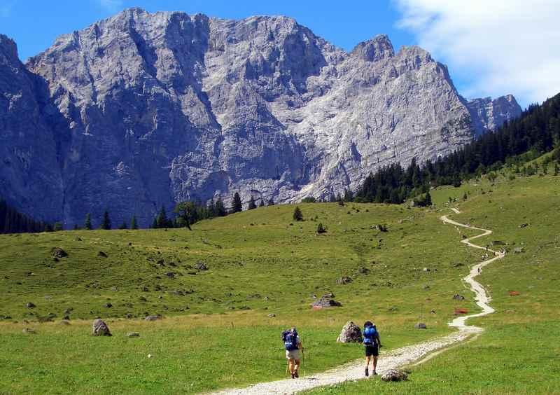 Adlerweg Tirol:  So stellen wir uns alle eine Hüttenwanderung vor! Von der Eng zum Hohljoch auf die Falkenhütte