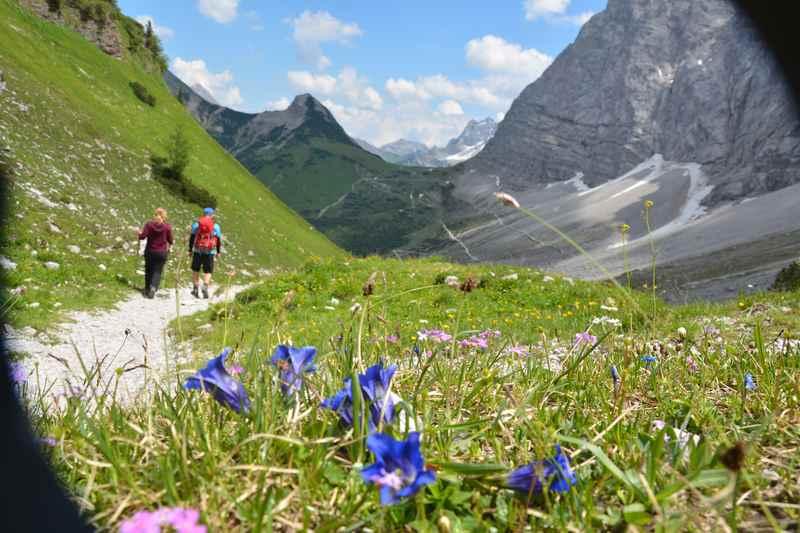 Auf dem Adlerweg Karwendel von Hütte zu Hütte wandern