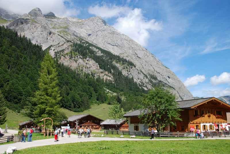 Die Almwirtschaft - ein Ehrenamt in Tirol? Die Engalm im Karwendel