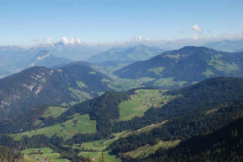 Aus Alpbach auf die Gratlspitz wandern und den Blick über die Wildschönau schweifen lassen