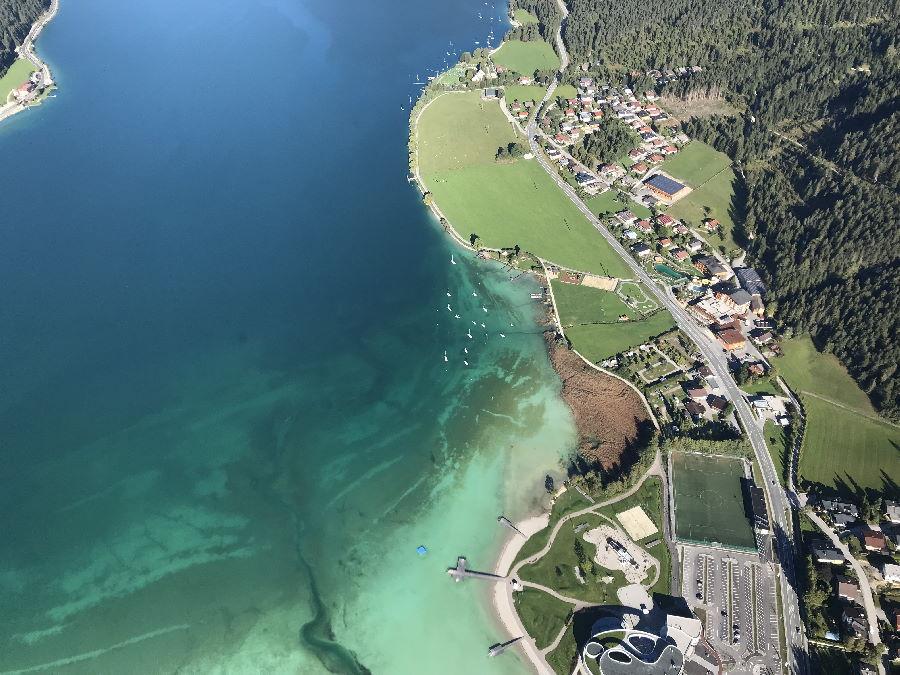 Achensee Sehenswürdigkeiten: Das Atoll am Achensee, rechts unten im Bild!