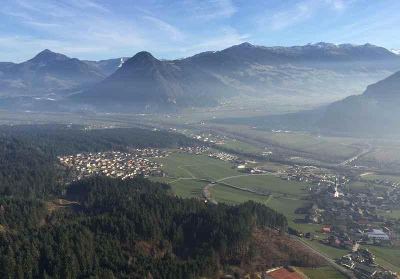 Das ist die Aussicht von der Kanzelkehre auf das Inntal, Zillertal und Alpbachtal