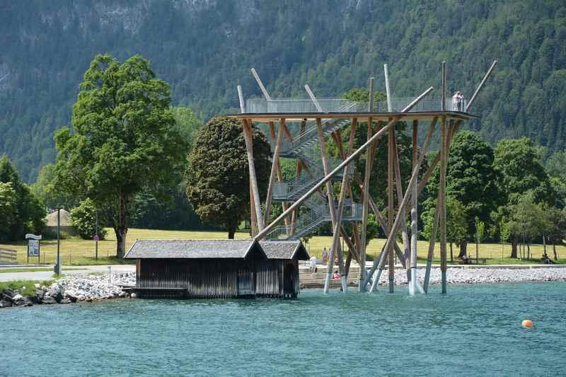 Achensee Aussichtsplattform: Die über 14 Meter hohe Aussichtsplattform über dem Achensee in Pertisau