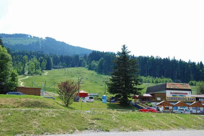 Das ist die Talstation der Blombergbahn - hier geht es mit dem Lift auf den Blomberg zum Rodeln