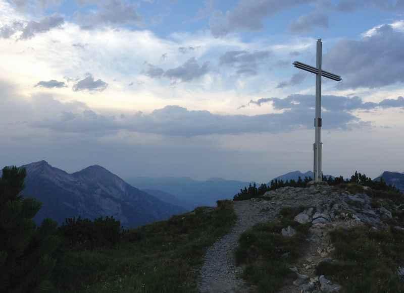 Auf den Gipfel des Bärenkopf wandern in Pertisau am Achensee