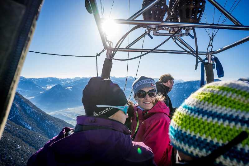 Achensee Ballonfahren: Der Blick aus dem Heißluftballon in Tirol, Bild: Achensee Tourismus