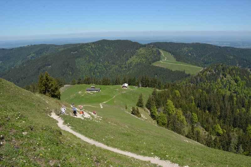 Der Aufstieg von der Baumgartenalm auf die Baumgartenschneid am Tegernsee
