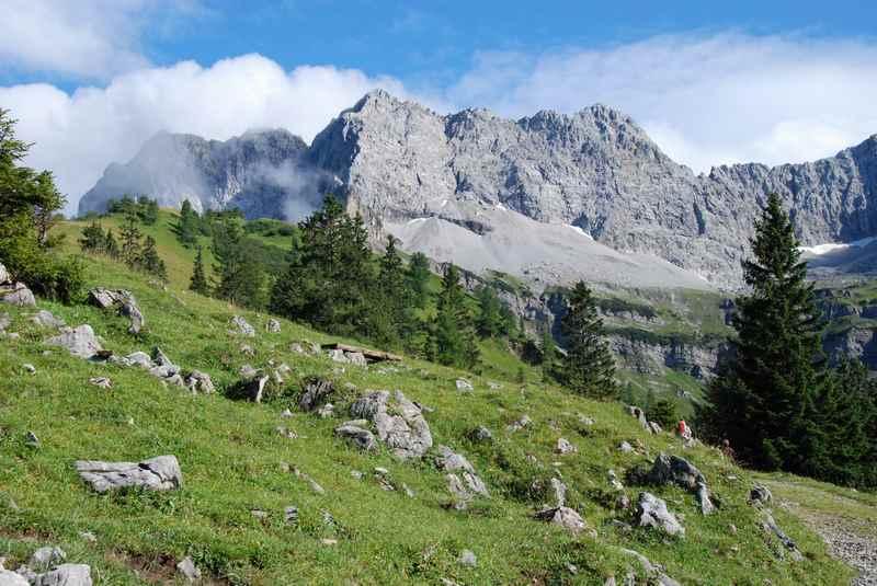 Bergwandern Karwendel - die Gipfel besteigen und am Gipfelkreuz abschalten vom Alltag