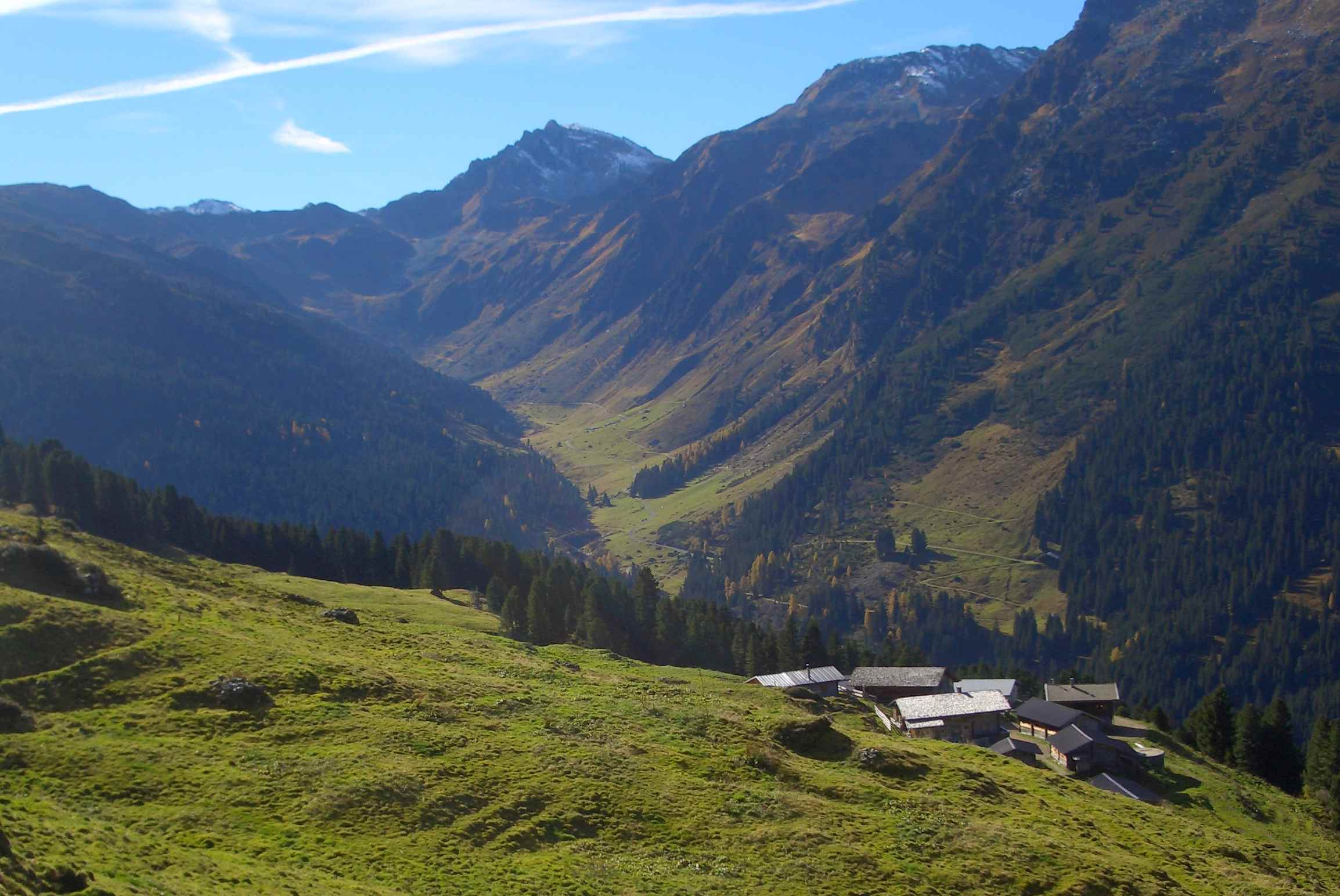 Von Innerst auf dem Bettlerweg zur Weidener Hütte wandern, Tuxer Alpen