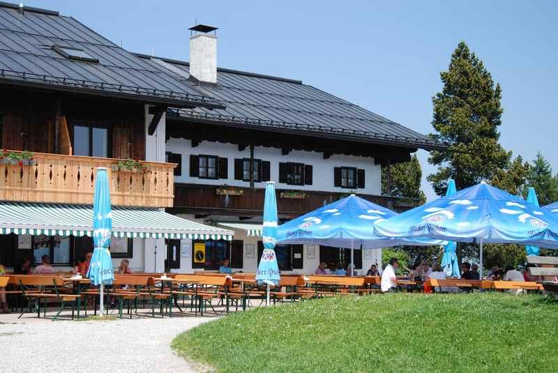 Auf dem Blomberg in Bad Tölz, wenig spektakulärer Gipfel in Bayern