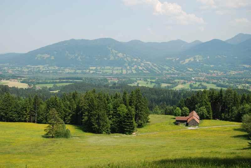 Am Blomberg wandern in Bad Tölz - das ist die Aussicht