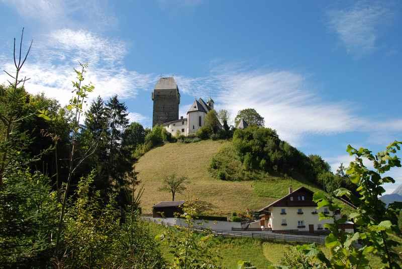 Von der Burg Freundsberg wandern nach Pill im Inntal