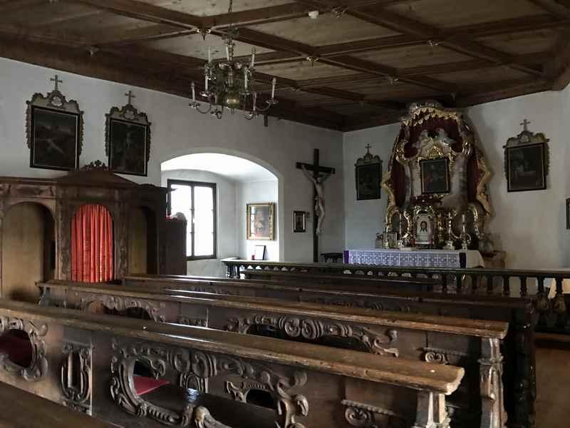 Die schöne Burgkapelle im Turm Mariastein