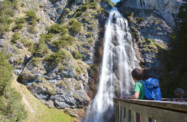 Der beeindruckende Dalfazer Wasserfall unterhalb der Dalfazalm