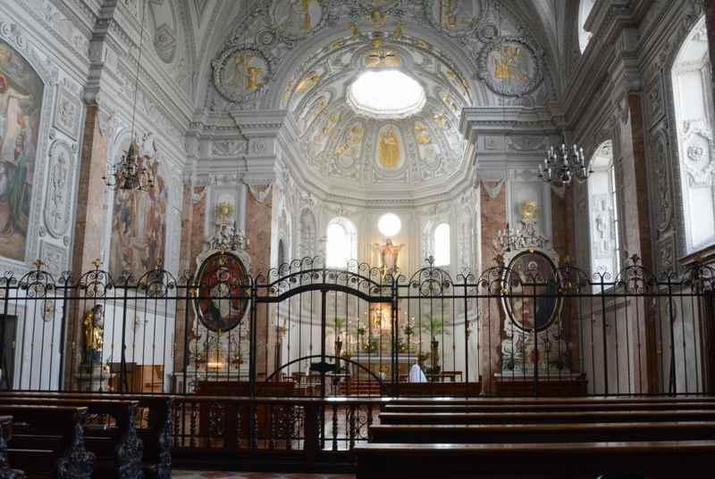 Ein Blick in das Damenstift Kloster bei der Hall Stadtführung