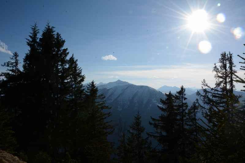 Am Sylvensteinspeicher wandern - mit dem Ausblick aufs Karwendel