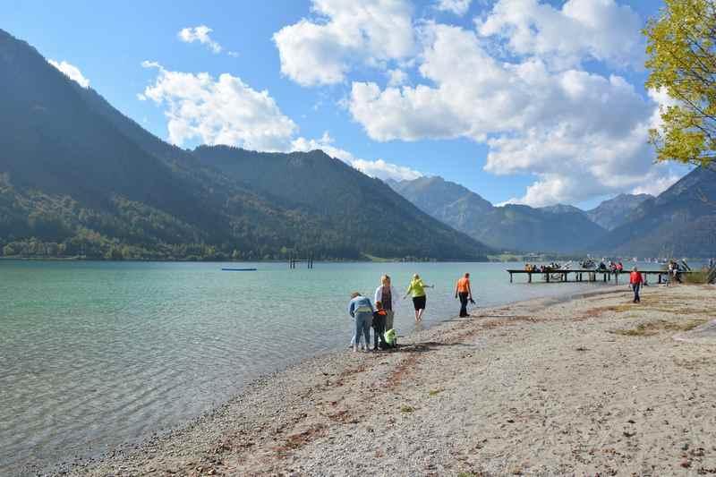 Urlaub in Eben am Achensee, hinten das Karwendelgebirge