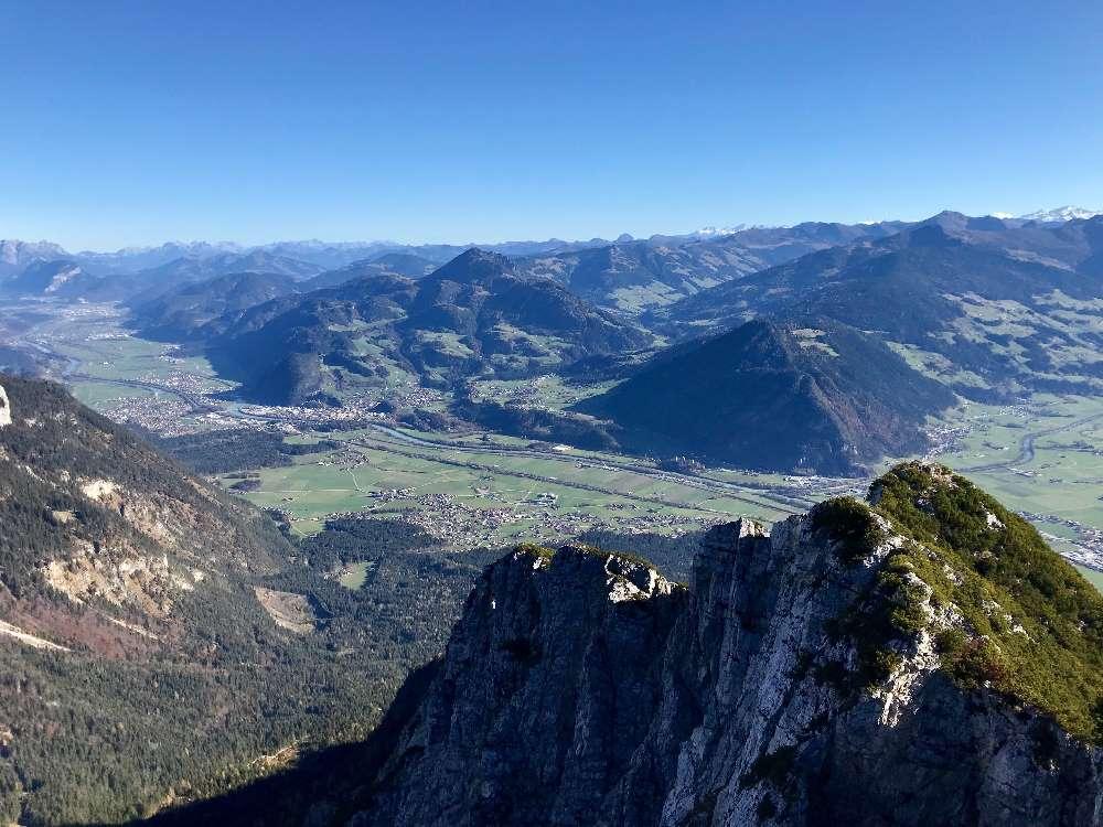Auf das Ebner Joch wandern am Achensee, mit tollem Blick auf den See und das Karwendel