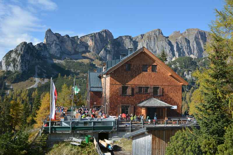 Rofan Tipp: So schön liegt die Erfurter Hütte im Rofangebirge in Tirol