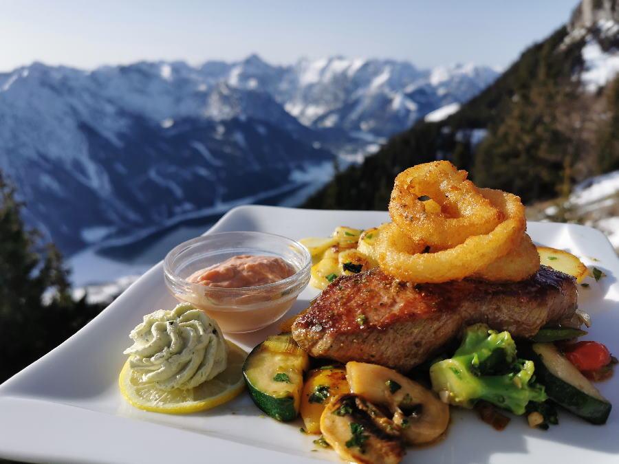 Ein gutes Steak mit Blick auf´s Karwendel essen