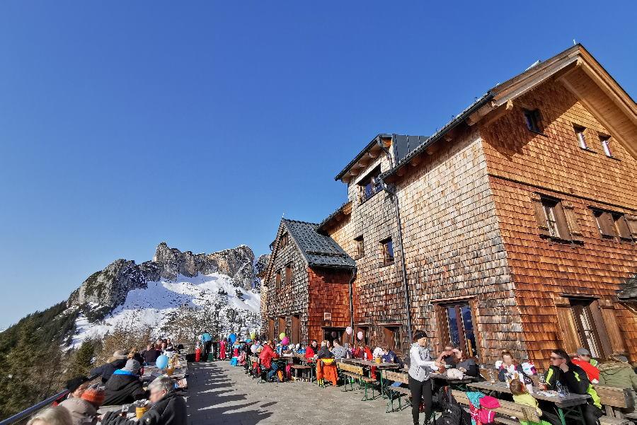 Die Sonnenterrasse der Erfurter Hütte - Winterziel für Skitouren, Schneeschuhwandern und Skifahren