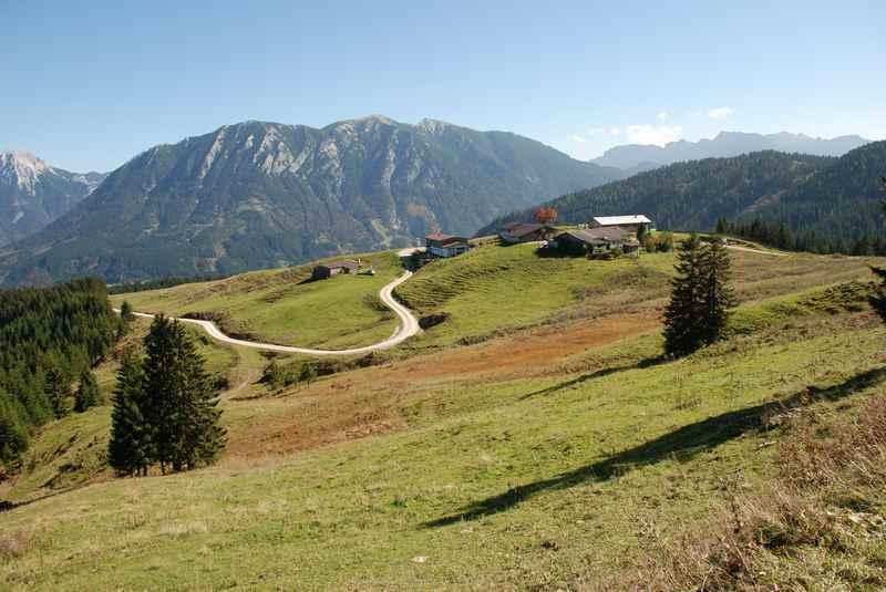 Die Falkenmoosalm in Achenkirch, Alm und Hütte im Karwendel