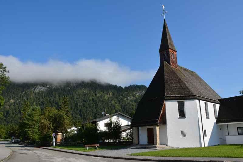 "Fall Lenggries -  Die Kirche im ""neuen"" Fall am Sylvensteinsee in Bayern"