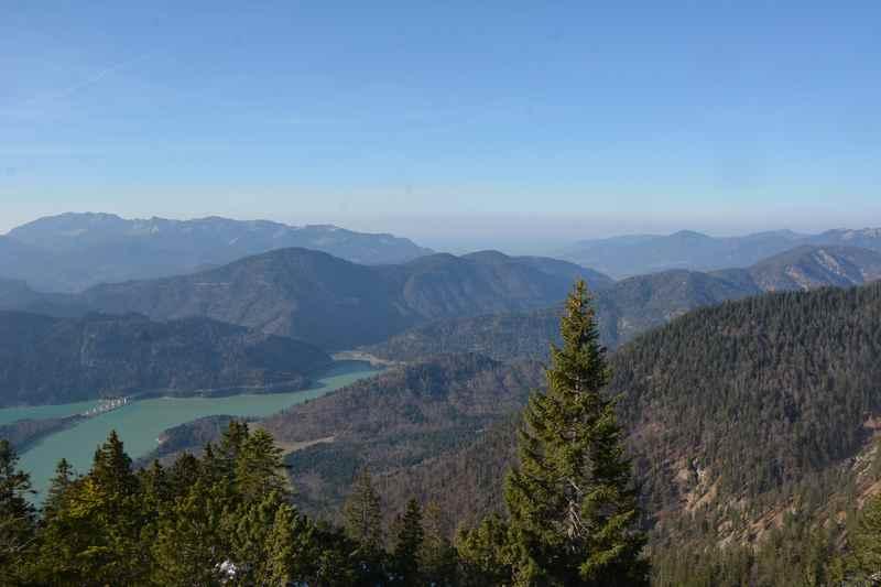 Von Fall Lenggries wandern am Sylvensteinsee: Das ist der Blick vom Dürrenberg