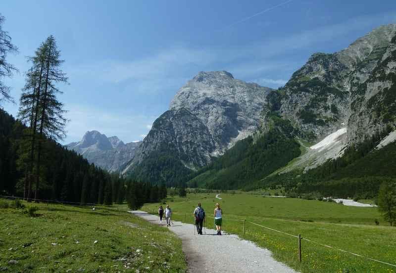 Zur Falzthurnalm wandern am Achensee in Pertisau, das schöne Falzthurntal