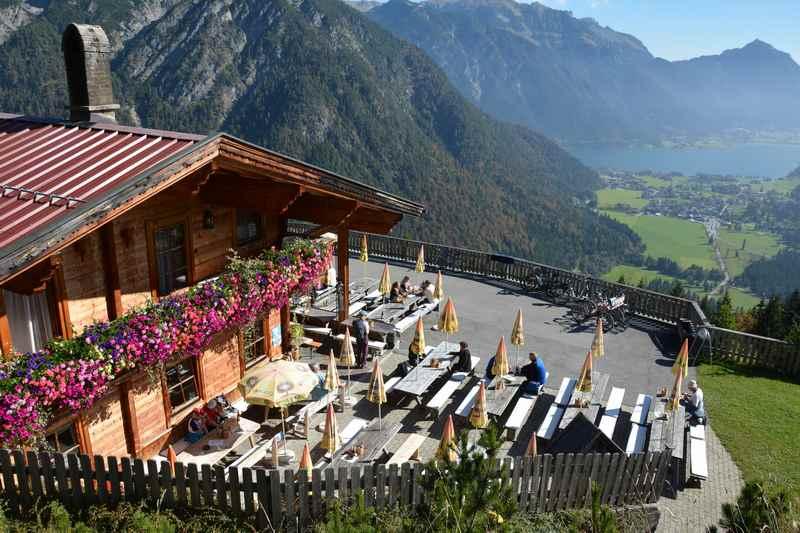 Die Feilalm im Karwendel - mit Blick auf den Achensee und Pertisau