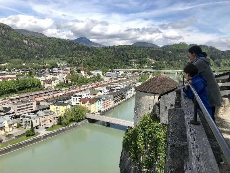 Die Festung Kufstein, tolle Festung über der Stadt, gehört zu den Top - Sehenswürdigkeiten in Tirol