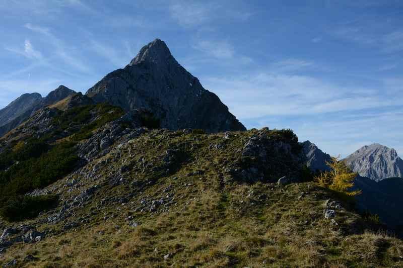 Der Blick auf den Fiechter Spitz im Karwendel, eine schwierige Bergtour