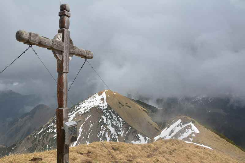 Auf die Fleischbank in Hinterriss wandern, der Gipfel leider in Wolken