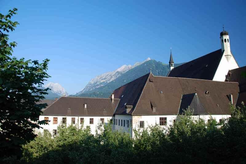 Im Franziskanerkloster Schwaz ist das Ostergrab Tirol zu bestaunen