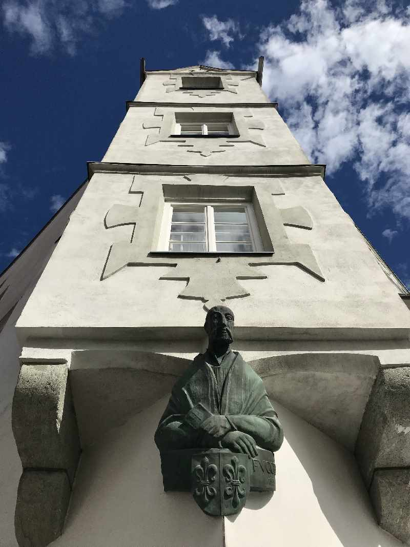 Die Fugger - Büste ziert heute noch das Fuggerhaus Schwaz.