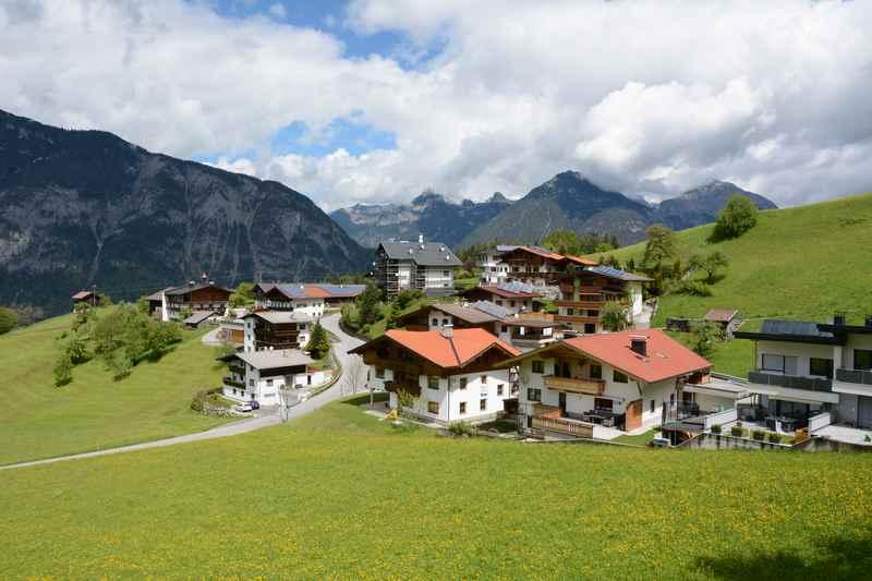 Durch die Bergsiedlungen wandern nach Hochgallzein