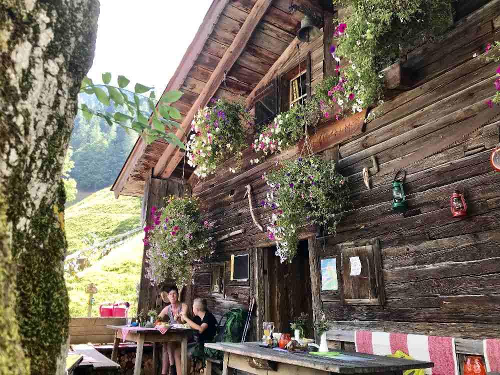 Das ist die urige Ganalm im Karwendel