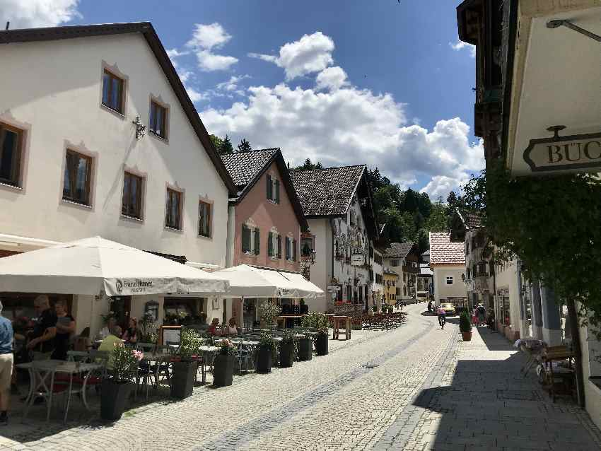 Garmisch Partenkirchen MTB - durch die Gassen zum Radweg Richtung Mittenwald