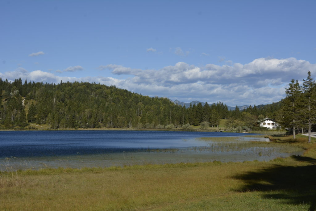 Gasthaus Ferchensee - diese Landschaft könntest du auch in Norwegen finden