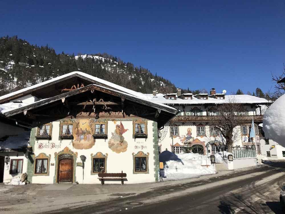 Der Start meiner Winterwanderung - beim Hotel - Gasthof Post in Wallgau