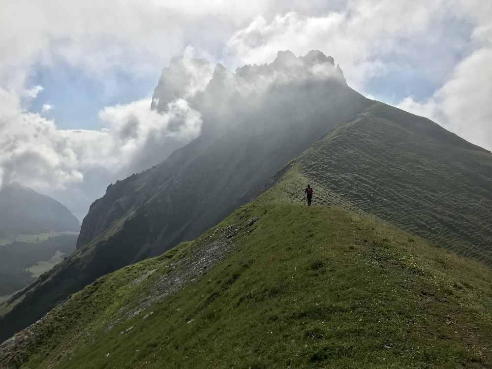 Hüttentour Wettersteingebirge: Vom Scharnitzjoch auf die Gehrenspitze wandern