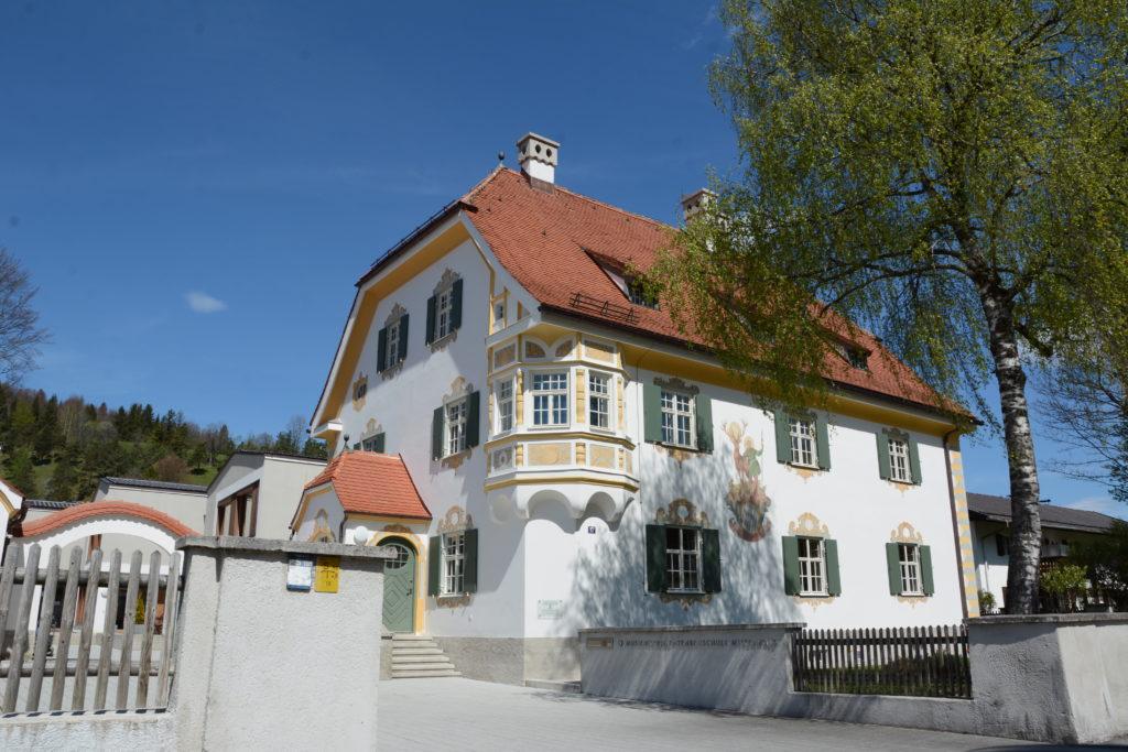 Hier wird der Geigenbau in Mittenwald gelehrt: Die Geigenbauschule