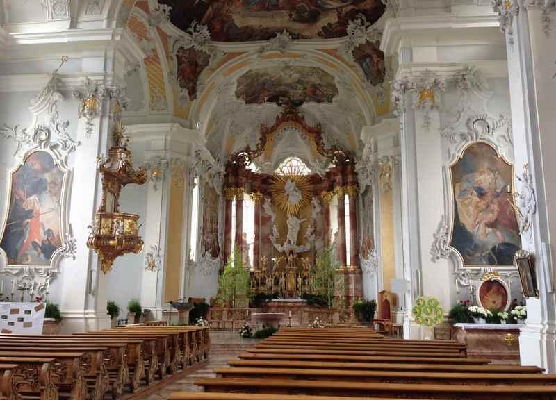 Die Wallfahrtskirche in St. Georgenberg, viel Barock