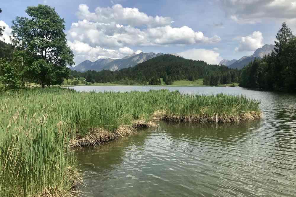 Mit E-Bike oder Fahrrad zum Barmsee oder Geroldsee fahren - tolle Badeseen!