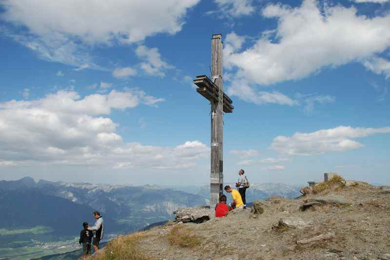 Und dann endlich oben am Gipfel, super Sicht auf das Karwendel, bis ins Inntal