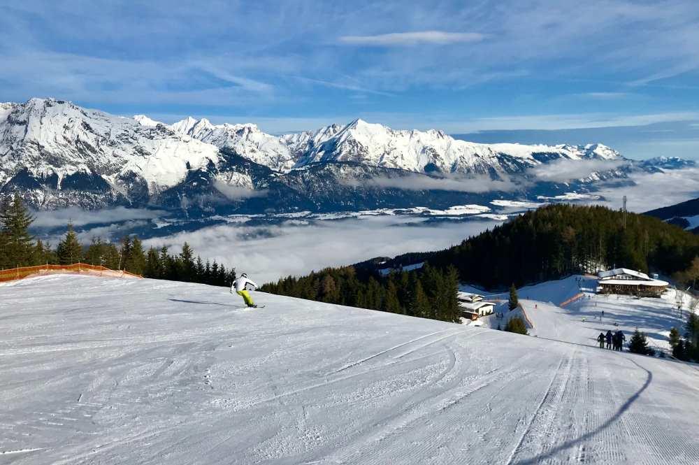 Glungezer Skitour: Der Aufstieg auf der Skipiste bietet viel Aussicht auf das Karwendel