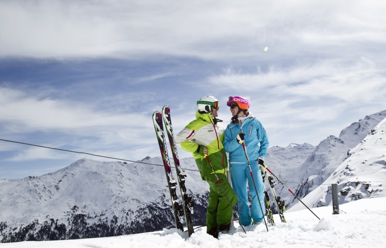 Skigebiet Hall in Tirol: Am Glungezer Skifahren im Skigebiet mit Naturschnee, Foto: Hall-wattens.at